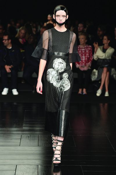 alexander-mcqueen-runway-rtw-spring-2015-paris-fashion-week-1