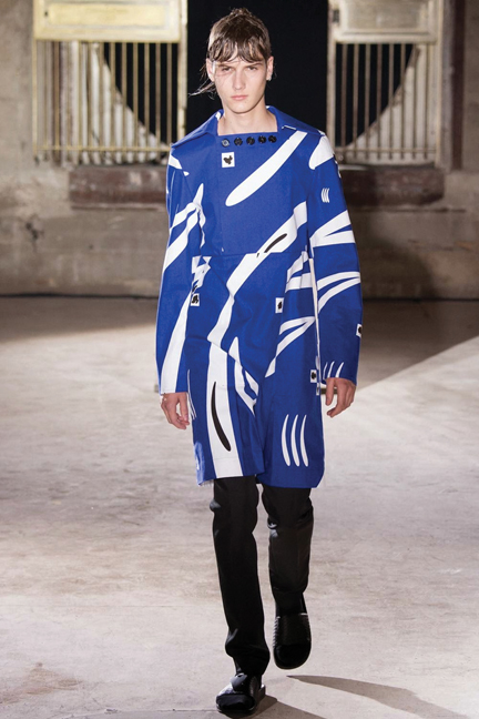 Raf-Simons-Spring-Summer-2015-Paris-Fashion-Week-039